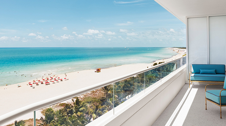 property-faenahotelmiamibeach-hotel-guestroomsuite-premieroceanfrontsuiteview-faenagroup.jpg